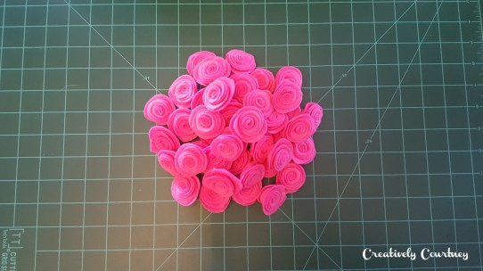 DIY Felt Rose Pompadours 2